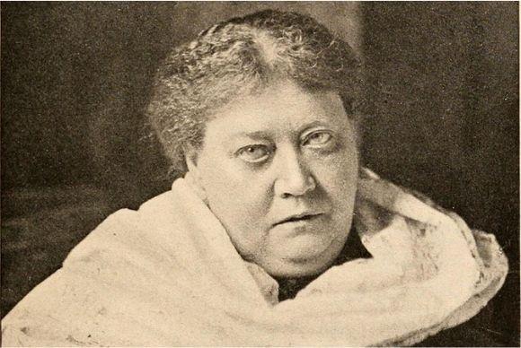 Veja quem foi Helena Blavatsky e a sua importância para a Teosofia